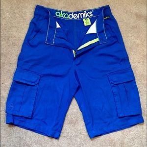 Men Akademiks Cargo Shorts w/ Belt